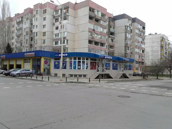 Ulica Sveti Knyaz Boris I Veche E Ednoposochna Na Zapad Ot Centra